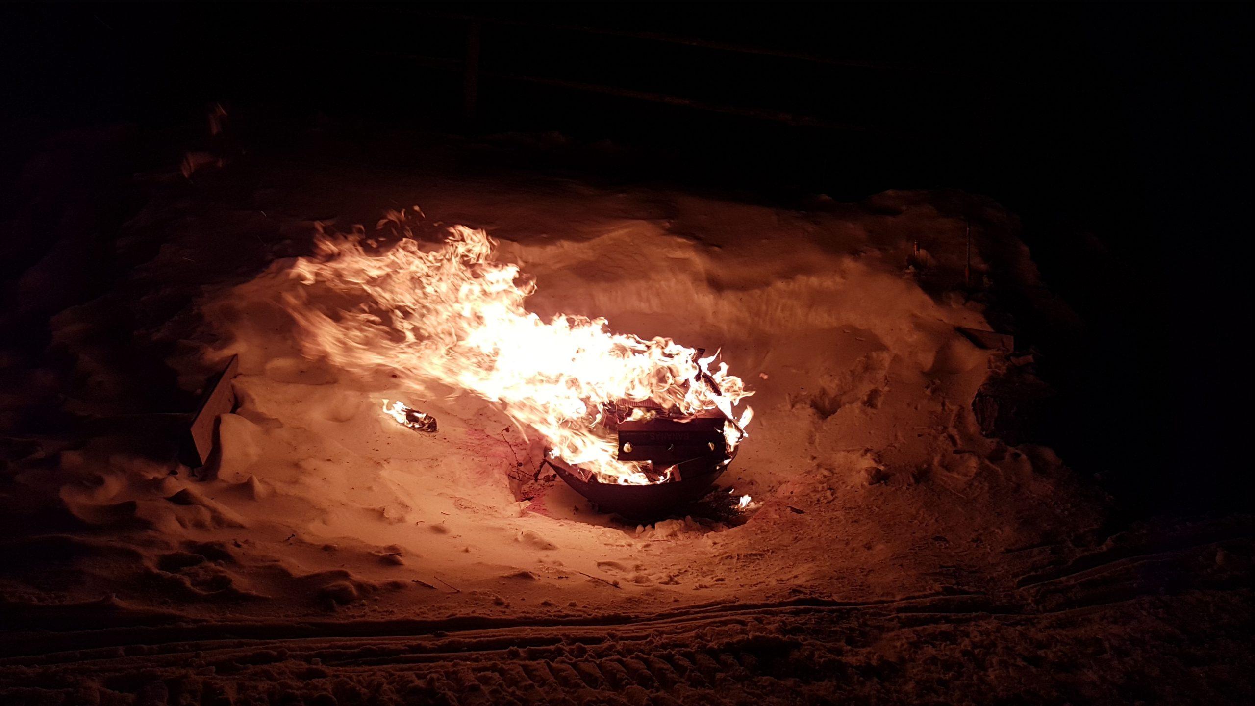 Feuer im Schnee k